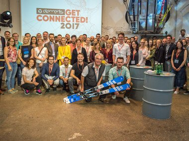 "elements ""Get Connected!""Gruppenfoto 2017 mit allen Teilnehmern und Speakern. 